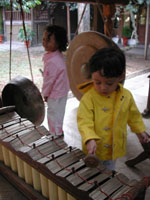 Bermain Gamelan