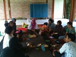 Wisata Belajar (9): Sharing bersama Koper Mandiri