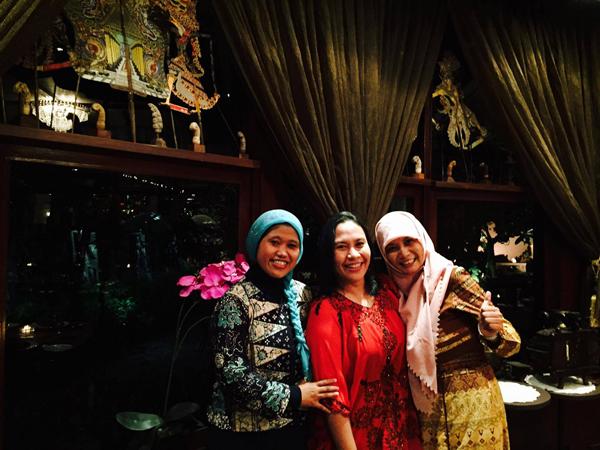 Bersama Nina Nuraniyah & Abyz Wigati, alumni PIN 2013