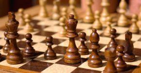 Belajar catur melalui pertandingan catur online