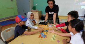 Belajar menjadi relawan boardgame
