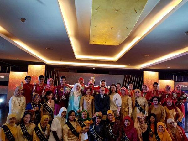 pin2016-alumni-pin-dan-tim-nova