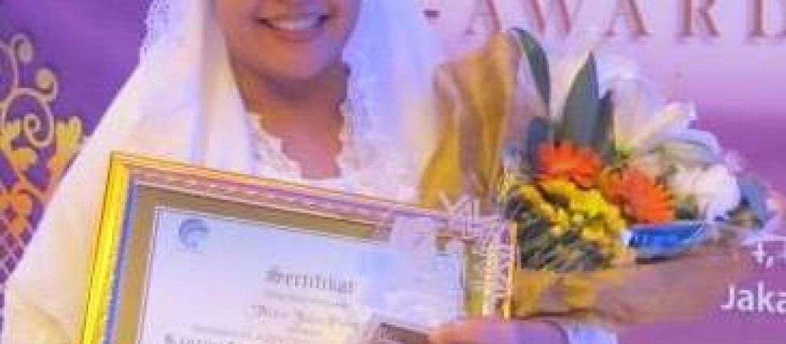 mira-julia-kartini-next-generation-award